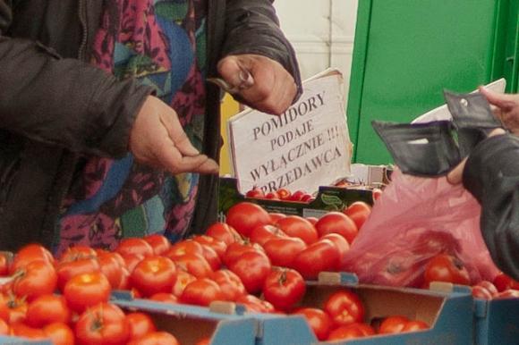 pomidory podaje wyłącznie sprzedawca