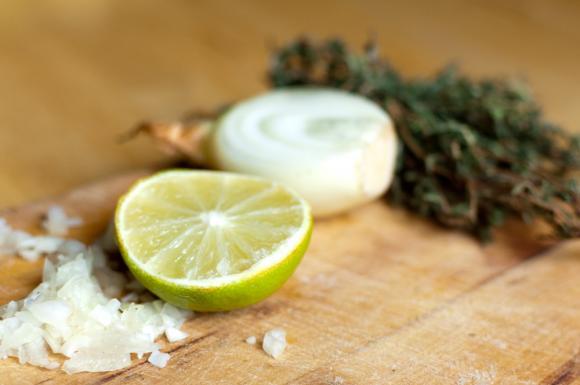 limonka, tymianek i cebula