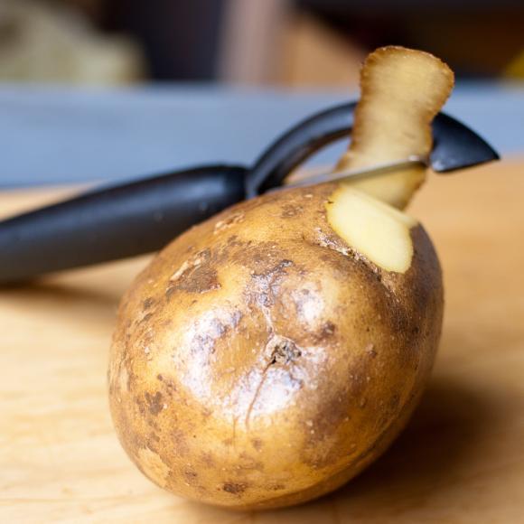 obierany ziemniak
