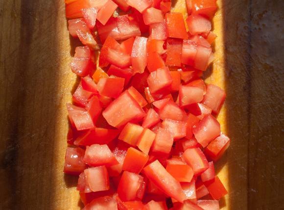 pomidory pokrojone w kostkę