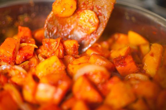 smażona dynia z marchewką i cebulą