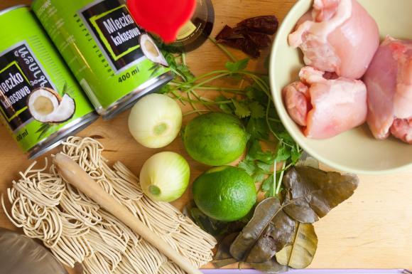 składniki na zupę tajską