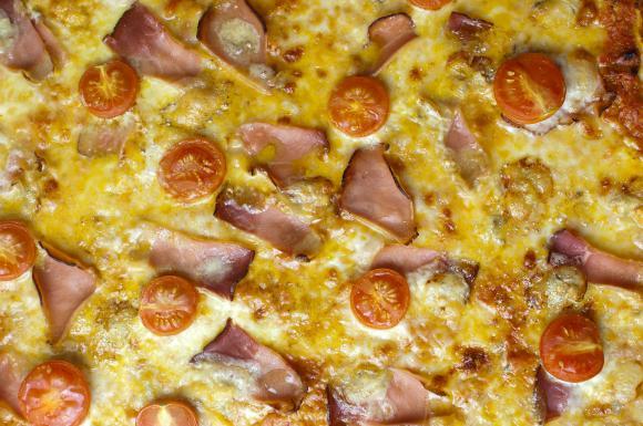 upieczona pizza
