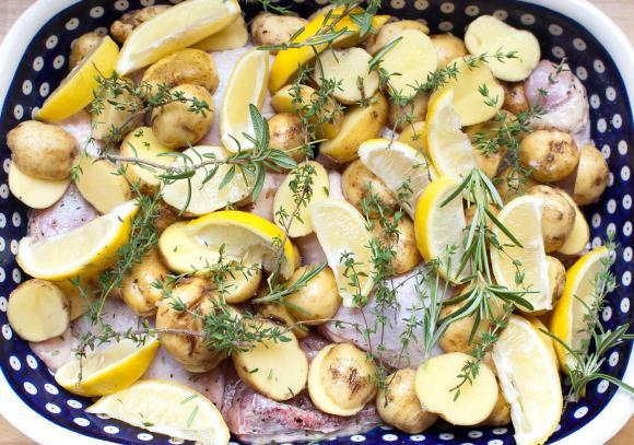 szybki kurczak cytrynowy na lato przed pieczeniem