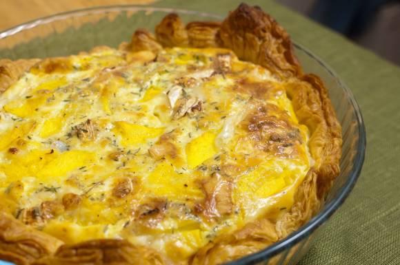 Tarta z kozim serem i mango
