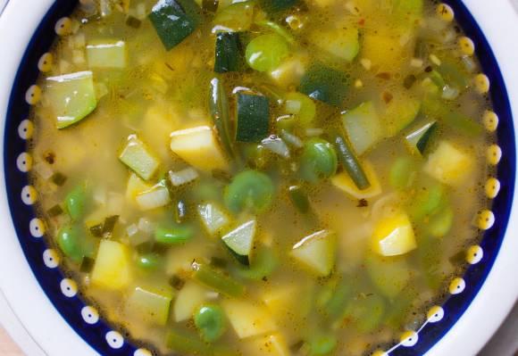 pikantna zupa z bobem